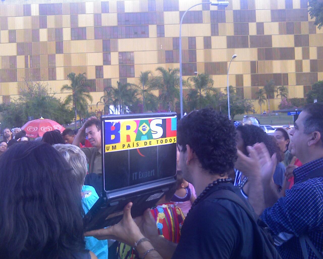 O @leu_oliveira est transmitindo a caravana dos @pontosdecultura (as vezes cai) #siga
