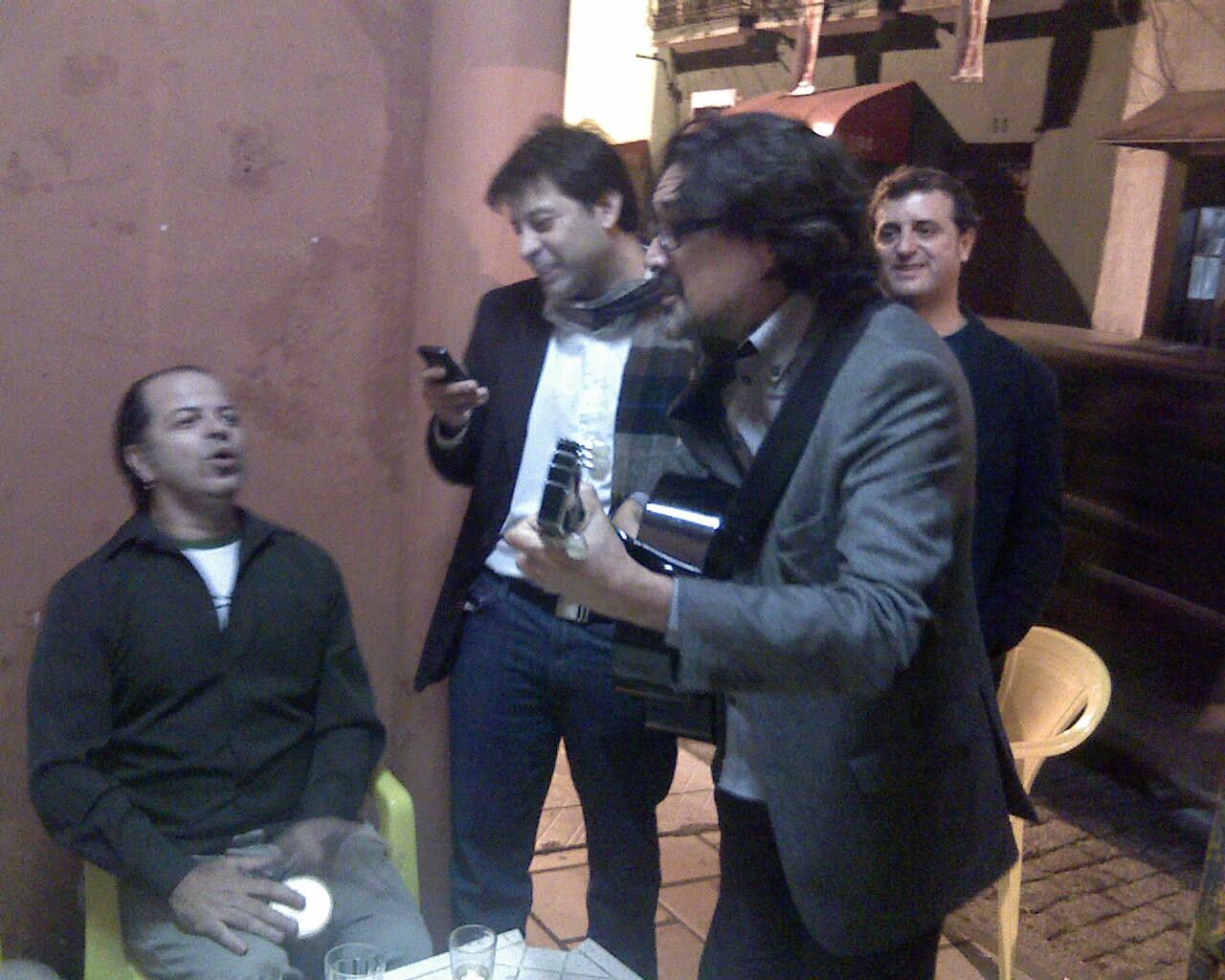 Secretario @vitorortiz debatendo #musica com produtores em #floripa