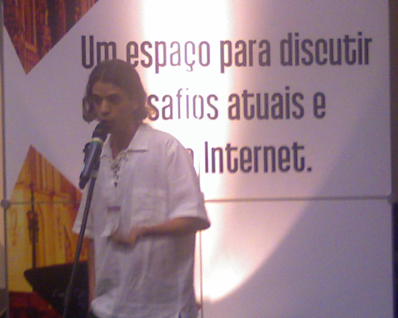 """pensar a internet como um potencializador local"" @pjatoba #ForumBR"