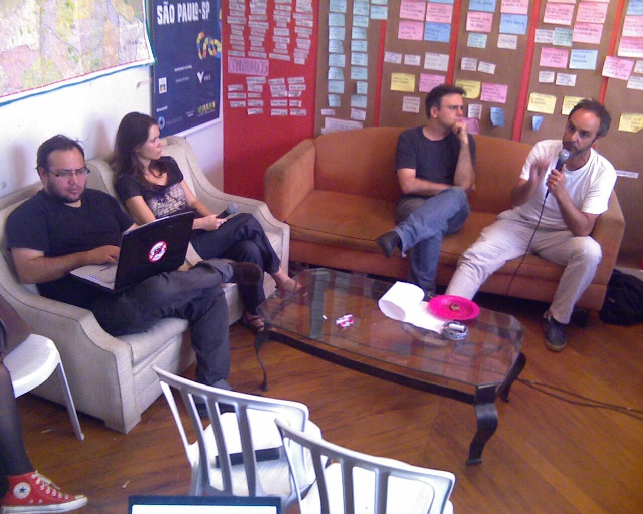 .leonardobr conferindo os tweets da #postv #AoVivo #CongressoFdE