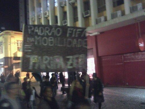 """Ei! Fifa! Paga a minha tarifa!"" #Protestos #Floripa"